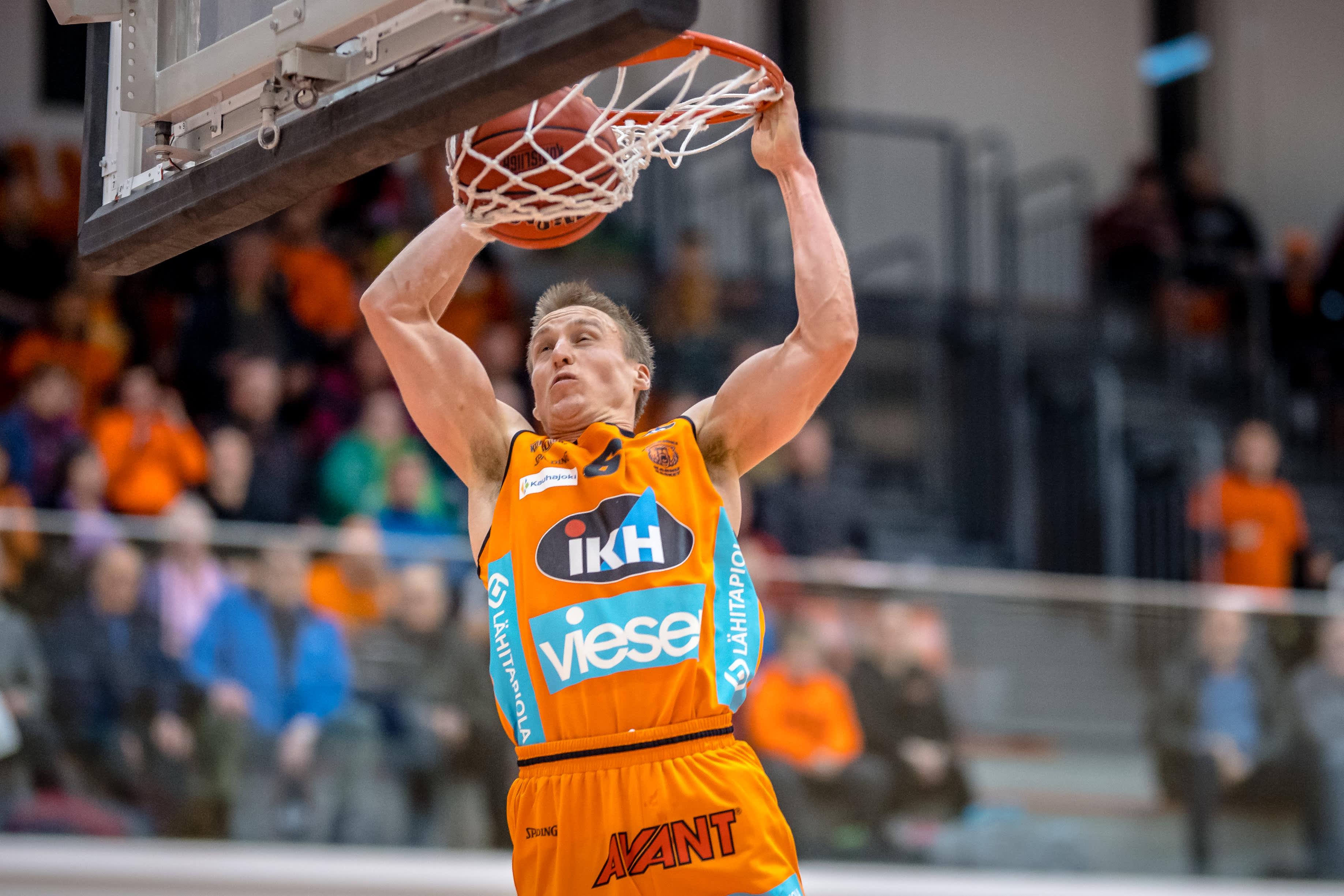 Karhu Basket