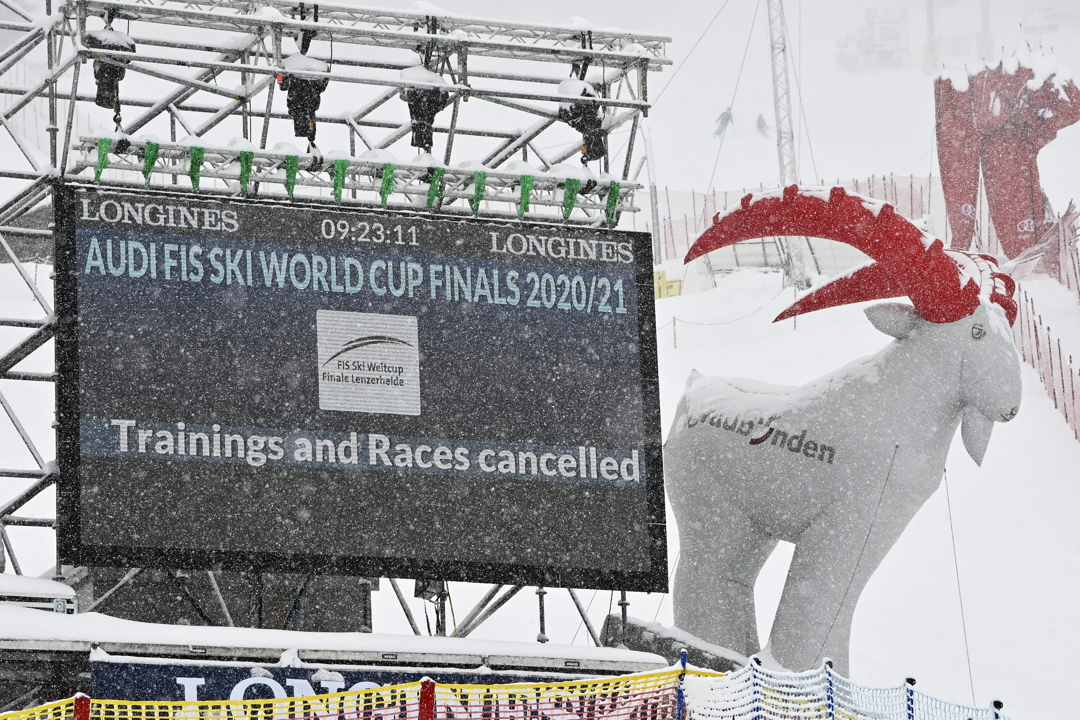 Kova lumisade ja tuuli johtivat alppihiihdon maailmancupin finaalien syöksylaskukilpailujen perumiseen Sveitsin Lenzerheidessa.