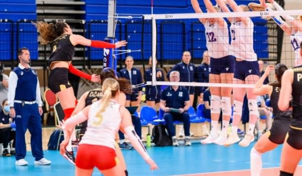 Suomen torjunta ja Anna Czakan ratkaisivat ottelupallossa
