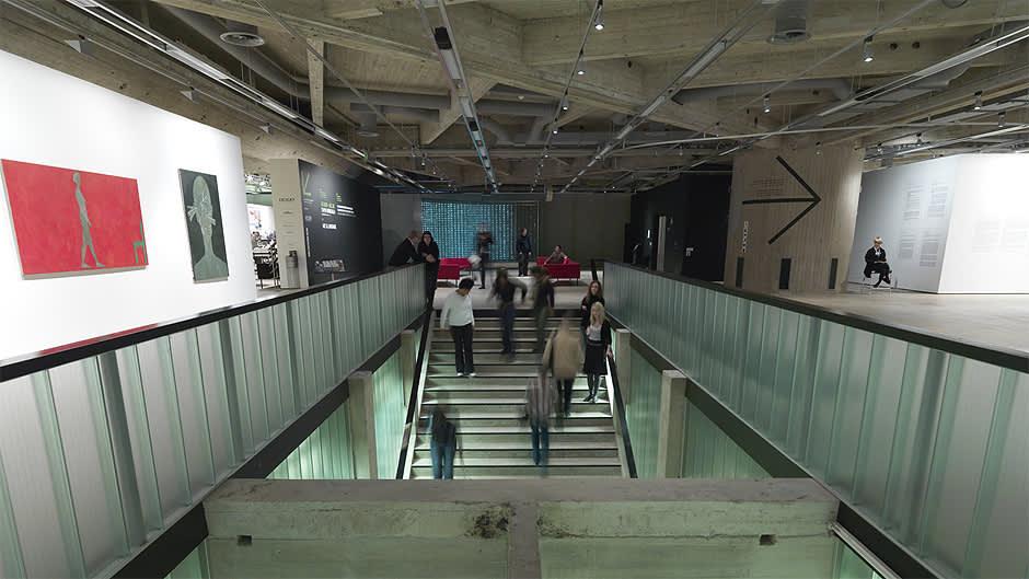 Sisäkuva Espoon modernin taiteen museo EMMAsta.