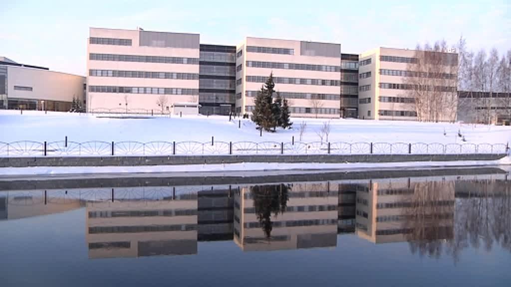 Seinäjoen ammattikorkeakoulu laajenee pitkin jokirantaa.