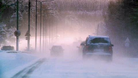 Luminen moottoritie.