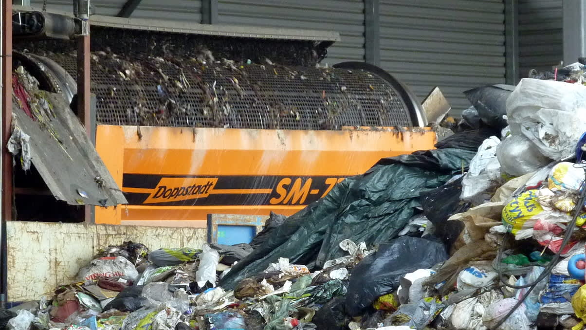 Murskain erottaa energiaan käytettävän muovin sekäjätteestä.