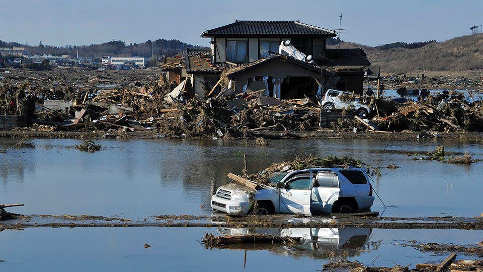 Tsunamin tuhoama talo.