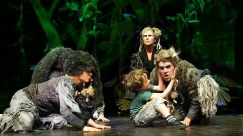 Rovaniemen teatterin uutuus Viidakkokirja kertoo viidakkopoika Mowglista.