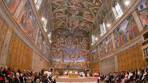 Yleisnäkymä Sikstiiniläiskappelista Vatikaanissa