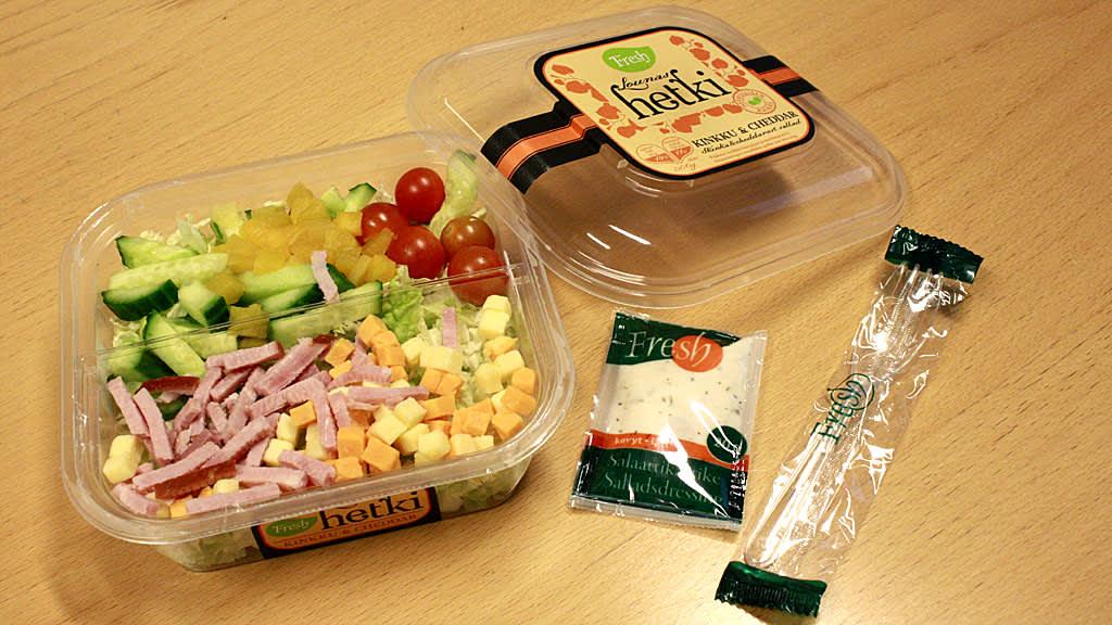 Kuvassa Fresh-salaattiannos.