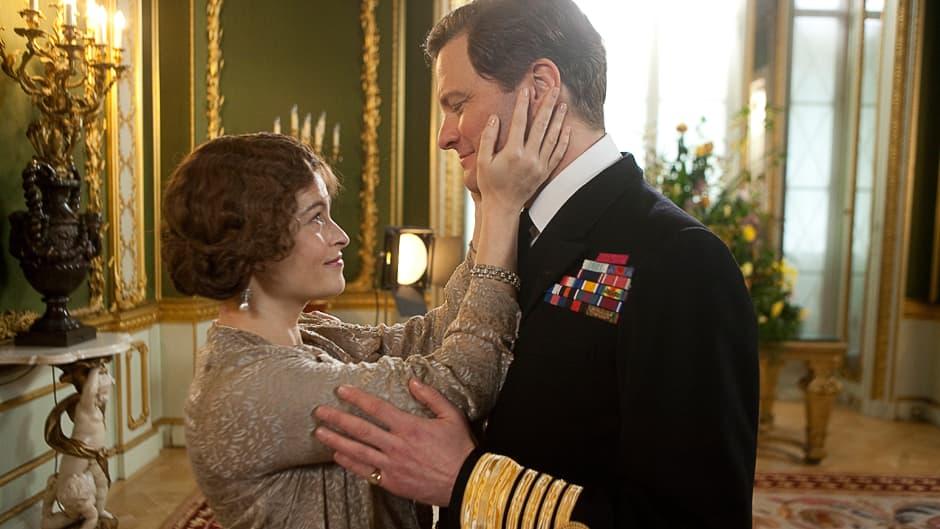 Helena Bonham Carter kuningatar Elisabetin ja Colin Firth kuningas Yrjö VI:n rooleissa elokuvassa Kuninkaan puhe.