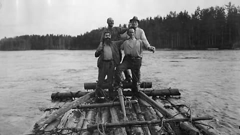 Tuntemattomia näyttelijöitä elokuvasta Koskenlaskijan morsian (1923)