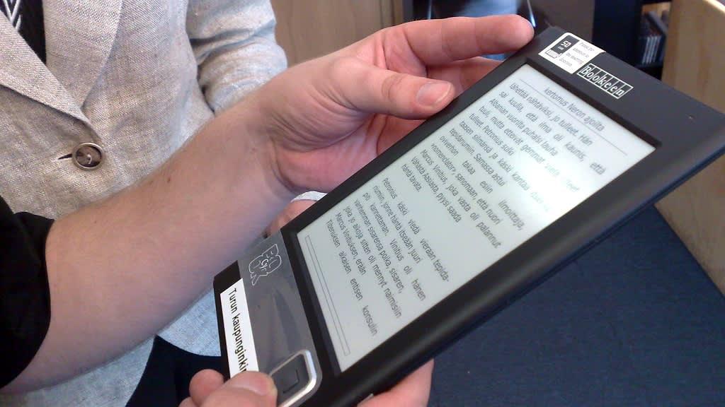 Kooltaan kätevä sähköinen kirja on helppo käyttää ja lukea.