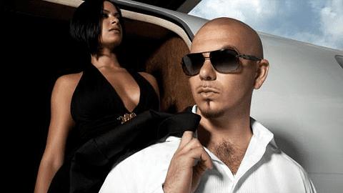 Hip hop -artisti Pitbull promokuvassa