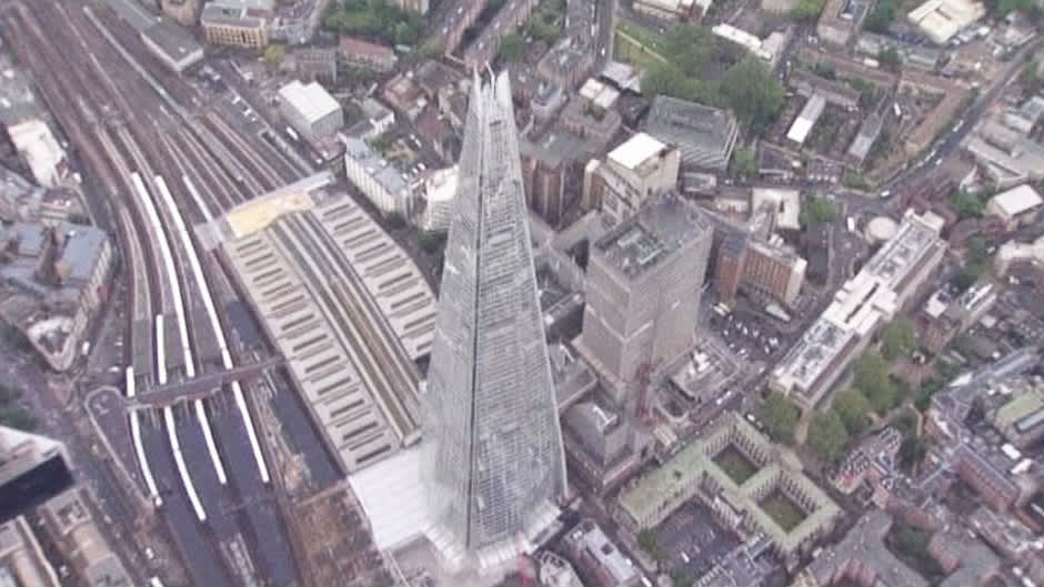 Shard-rakennus Lontoossa.