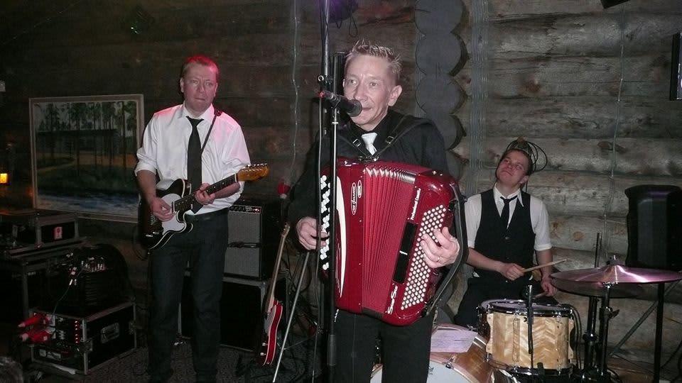 Yölintu -yhtye Sodankylän Luostolla