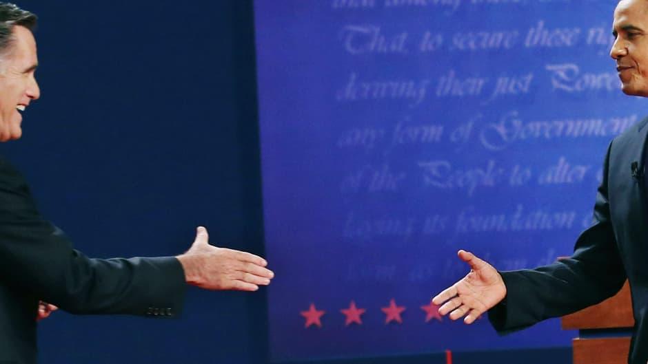 Yhdysvaltain presidentti, demokraattien presidenttiehdokas Barack Obama (oik.) ja republikaanien presidenttiehdokat Mitt Romney kohtasivat ensimmäisessä vaaliväittelyssä Denverissa, Coloradossa, 3. lokakuuta.