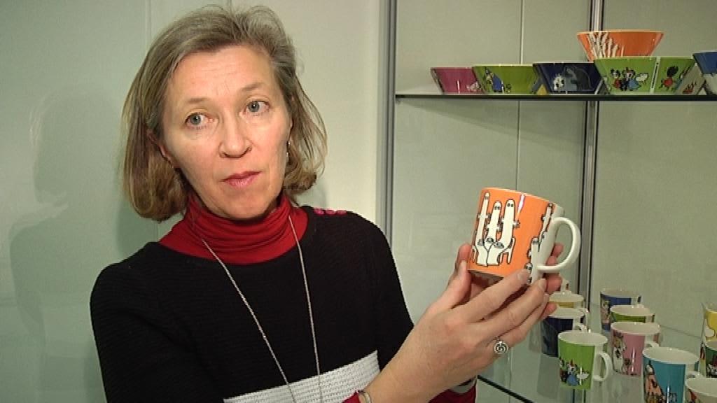 Muumimukien kuvittaja Tove Slotte esittelee suosikkikuppiaan.