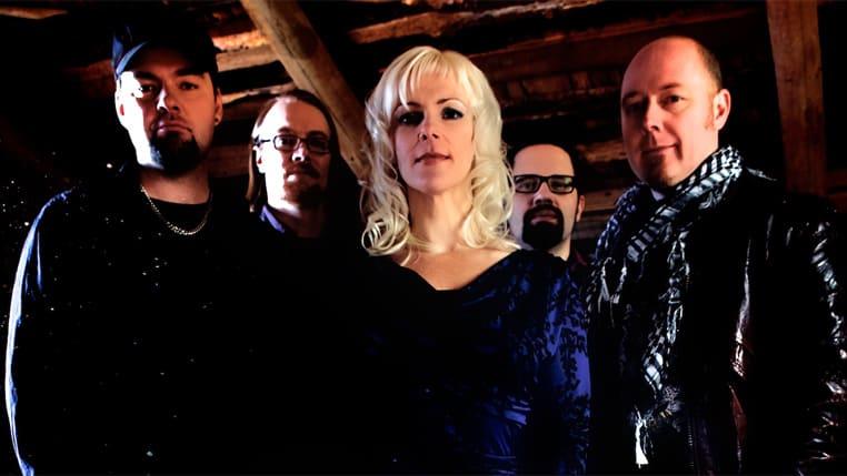 Musta Joutsen on viisihenkinen yhtye