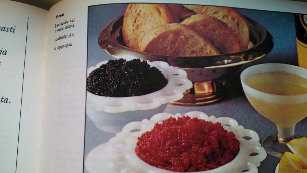 Kaviaaria nautittiin 70-luvulla paahtoleivän ja sitruunan kanssa.