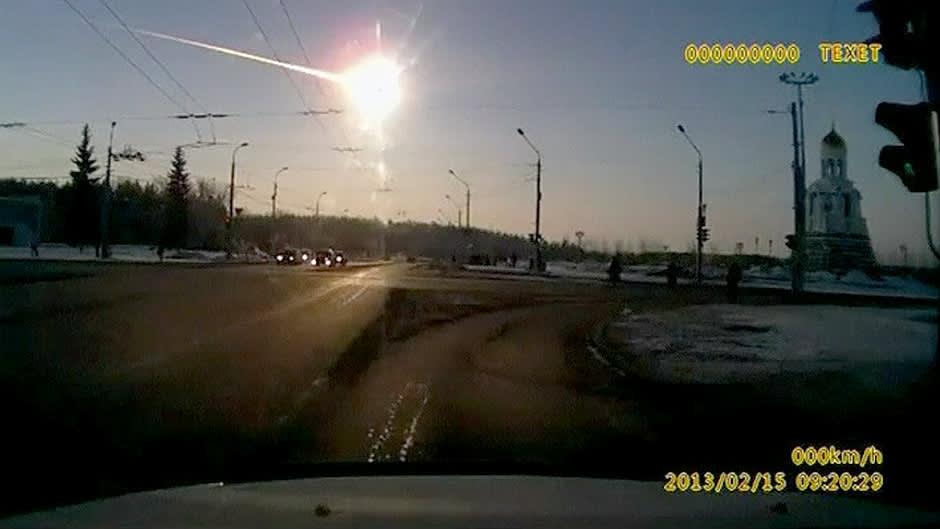 Tsheljabinskin lähistölle pudonnut meteoriitti tallentui amatöörikuvaajan videolle.