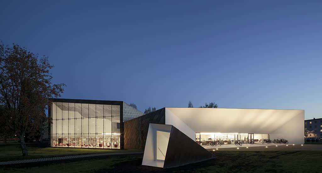 Seinäjoen kirjaston lisärakennus Apila.
