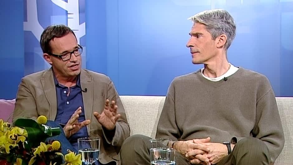 Kääntäjä, kirjailija Stefan Moster ja Goethe-instituutin johtaja Mikko Fritze.
