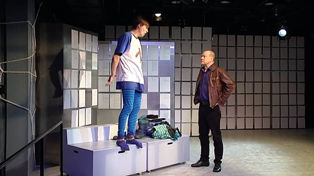 Karkkipäivä-näytelmän harjoitukset Kouvolan teatterissa