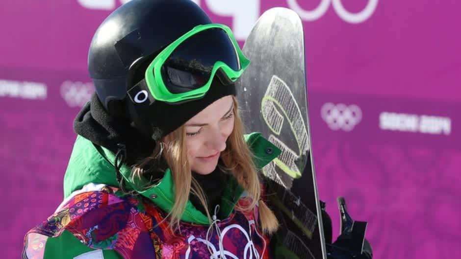 Lumilautailija Merika Enne slopestyle-karsintojen jälkeen.