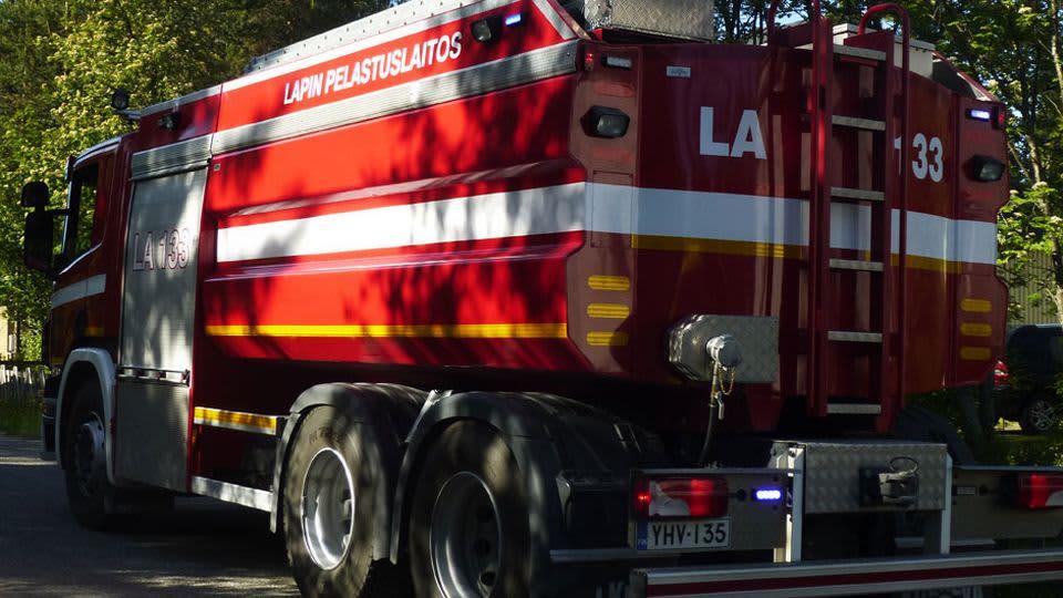 Lapin pelastuslaitoksen paloauto