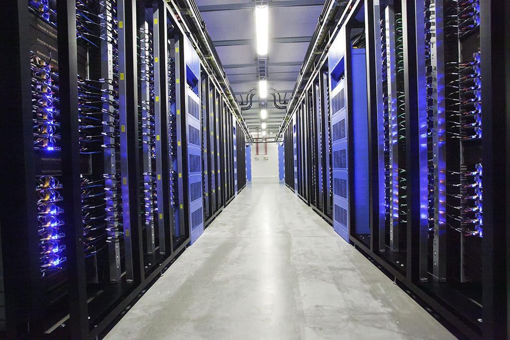 Facebookin tietokonepalvelinkeskus Luulajassa, Ruotsissa.