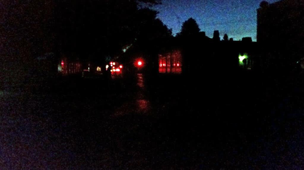 Oulun kaupungin keskusta oli pimeänä katuvalovian takia keskiviikkoaamuna 1.10.2014 klo 6.