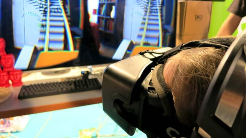 Oculus Rift -laitteisto esittelyssä DigiExpo-messuilla