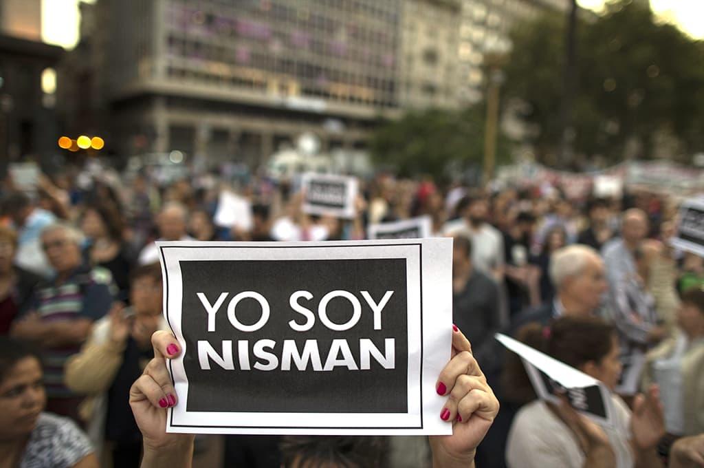 Mielenosoittajia lähellä Plaza de Mayoa Buenos Airesissa.