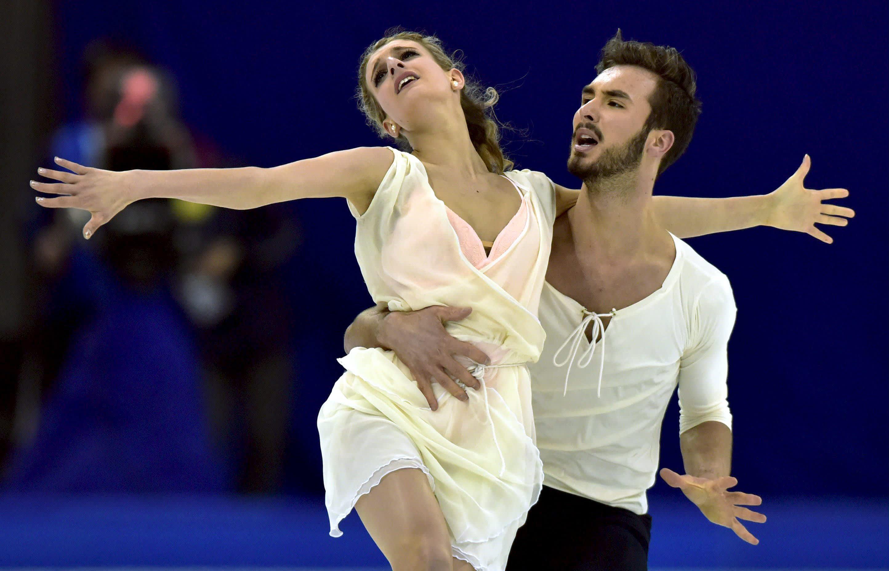 Gabriella Papadakis ja Guillaume Cizeron MM-jäällä.