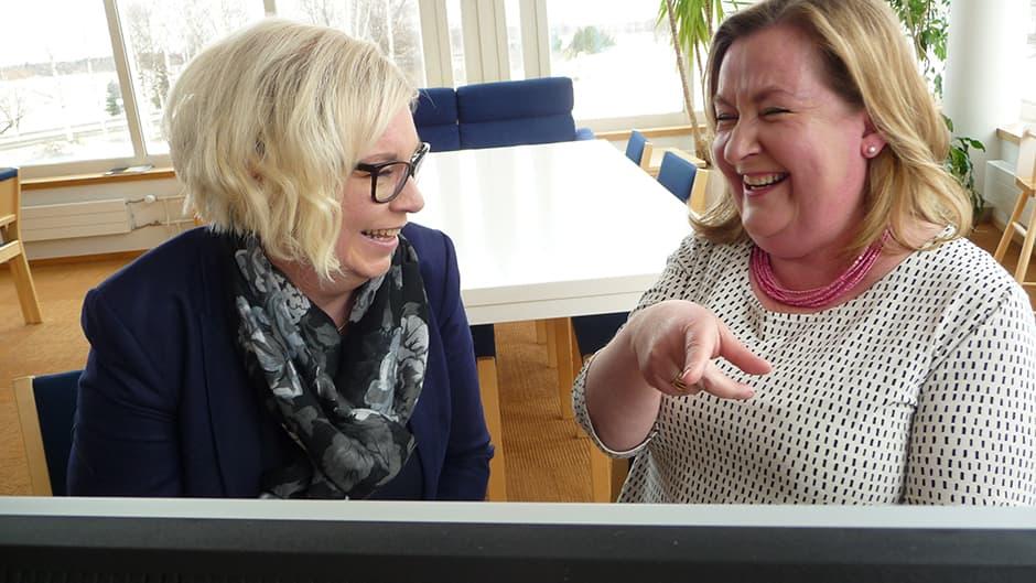 """""""Vistot nakut"""" Tuula Liisanantti ja Katriina Pietilä-Juntura."""