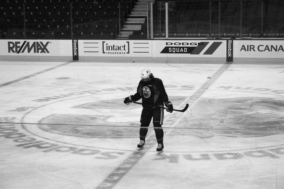 Edmonton Oilersin hyökkääjä Luke Gazdicin aggressio karisee kaukaloon. Pukuhuoneesta löytyy sympaattinen pohdiskelija.