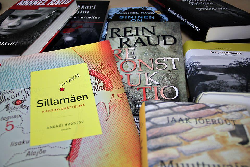 Virolaisia kirjoja.