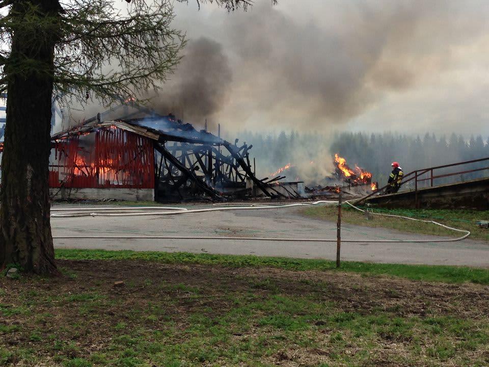 Otavan koululutilalla paloi konehalli maanantaina iltapäivällä.