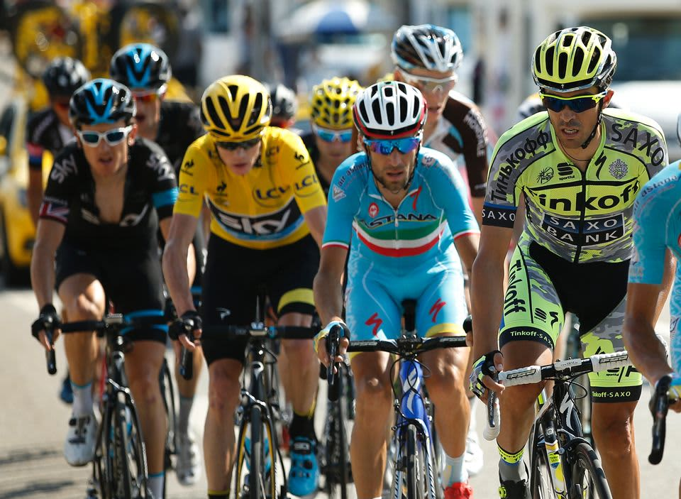 Tinkoff Saxo-tallin Alberto Contador johtaa Astana Pro:n Videnzo Nibalia 16 etapilla. 2015