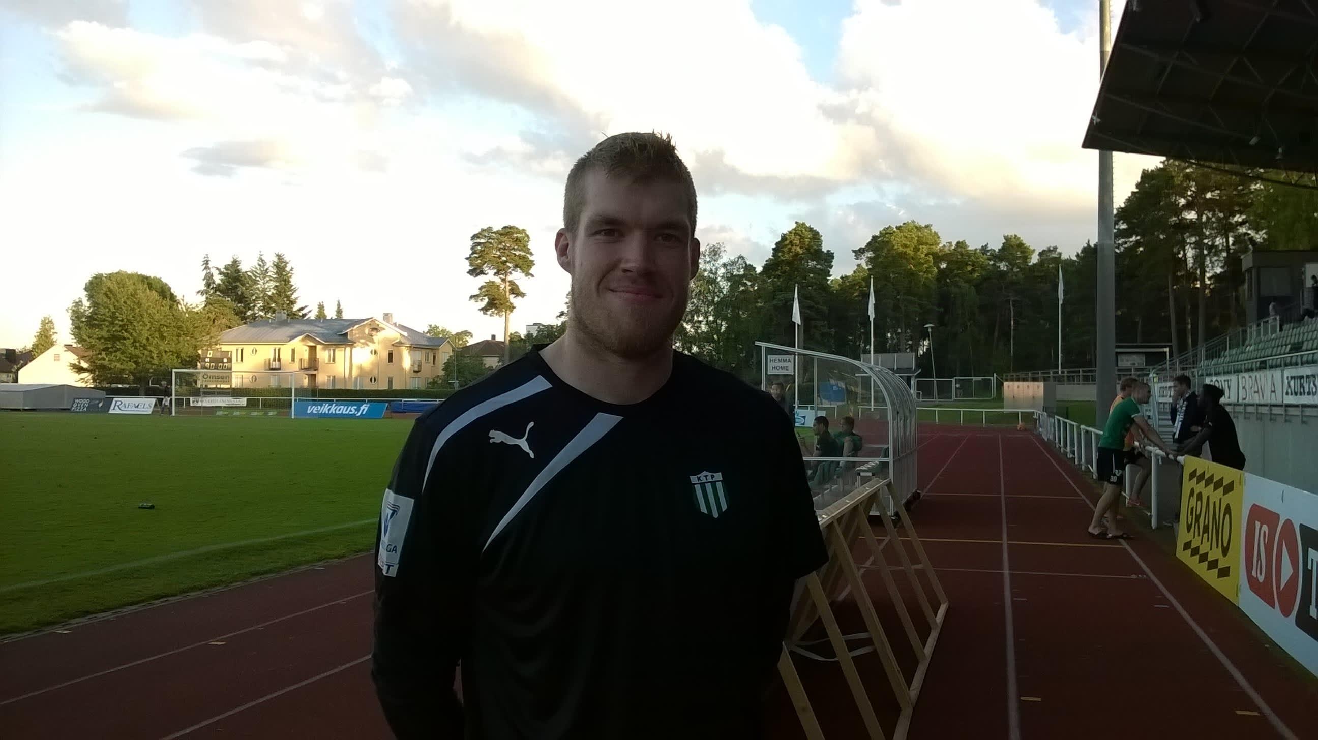 FC KTP:n maalivahti Sahlgren