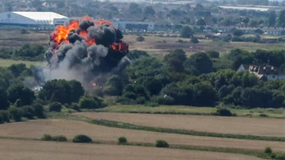 Hawker Hunter -hävittäjä osui valtatielle lentonäytöksen aikana Shorehamissa 22. elokuuta.