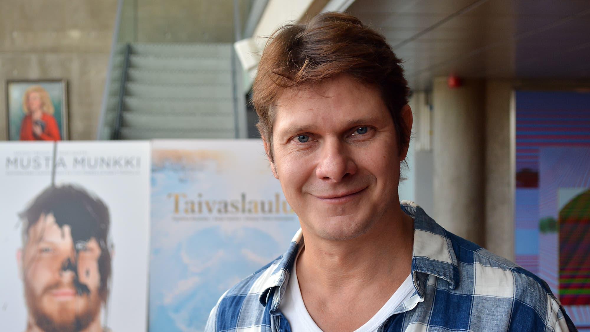 Oulun kaupunginteatterin taiteellinen johtaja Kari-Pekka Toivonen.