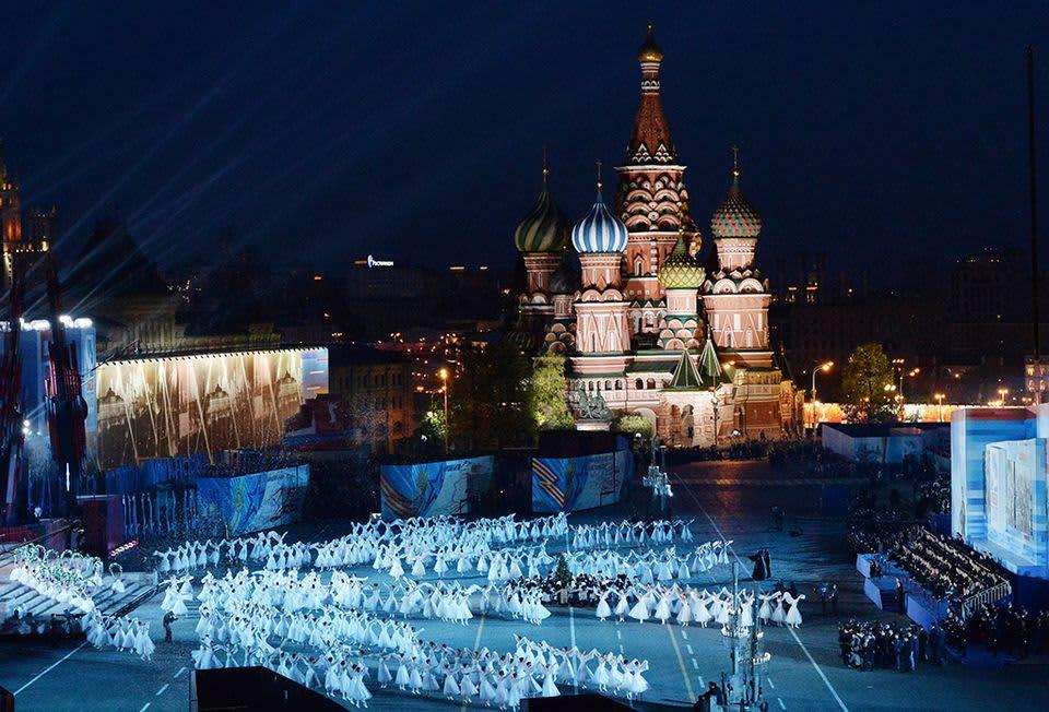 Punaisella torilla nähtiin Venäjän voitonpäivän juhlaesitys.