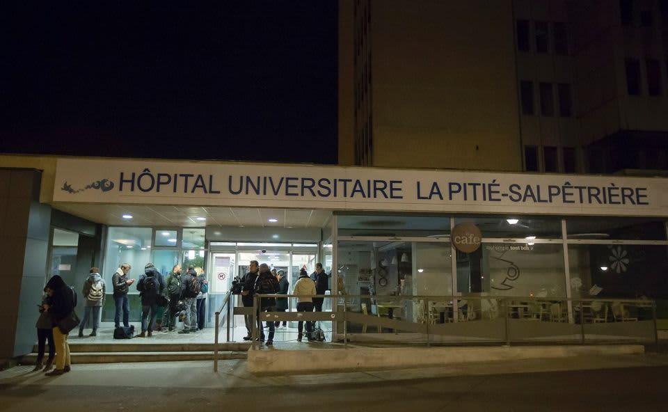 Sairaalan sisäänkäynti.