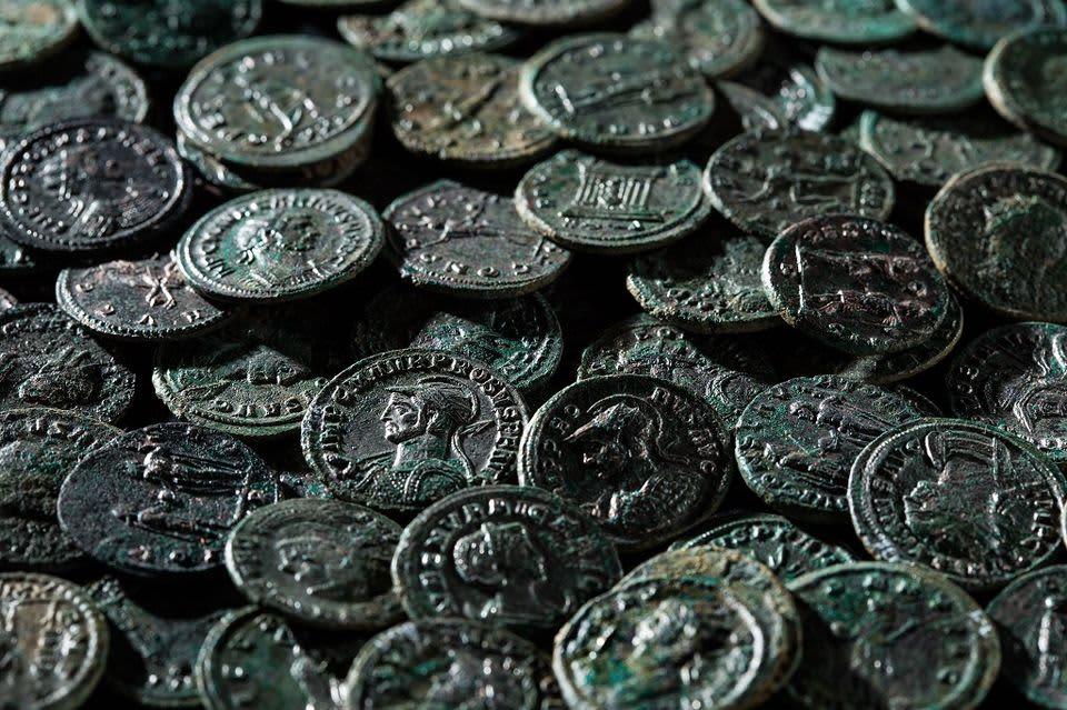 Sveitsistä löydettyjä kolikkoja antiikin Roomasta.