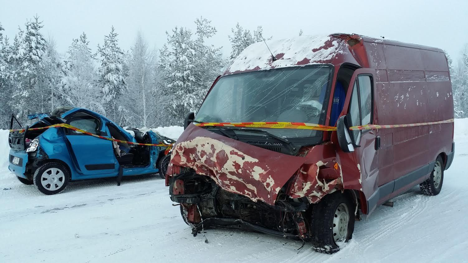 Onnettomuus Nelostie Sodankylä Lismanaapa 17.12.2015