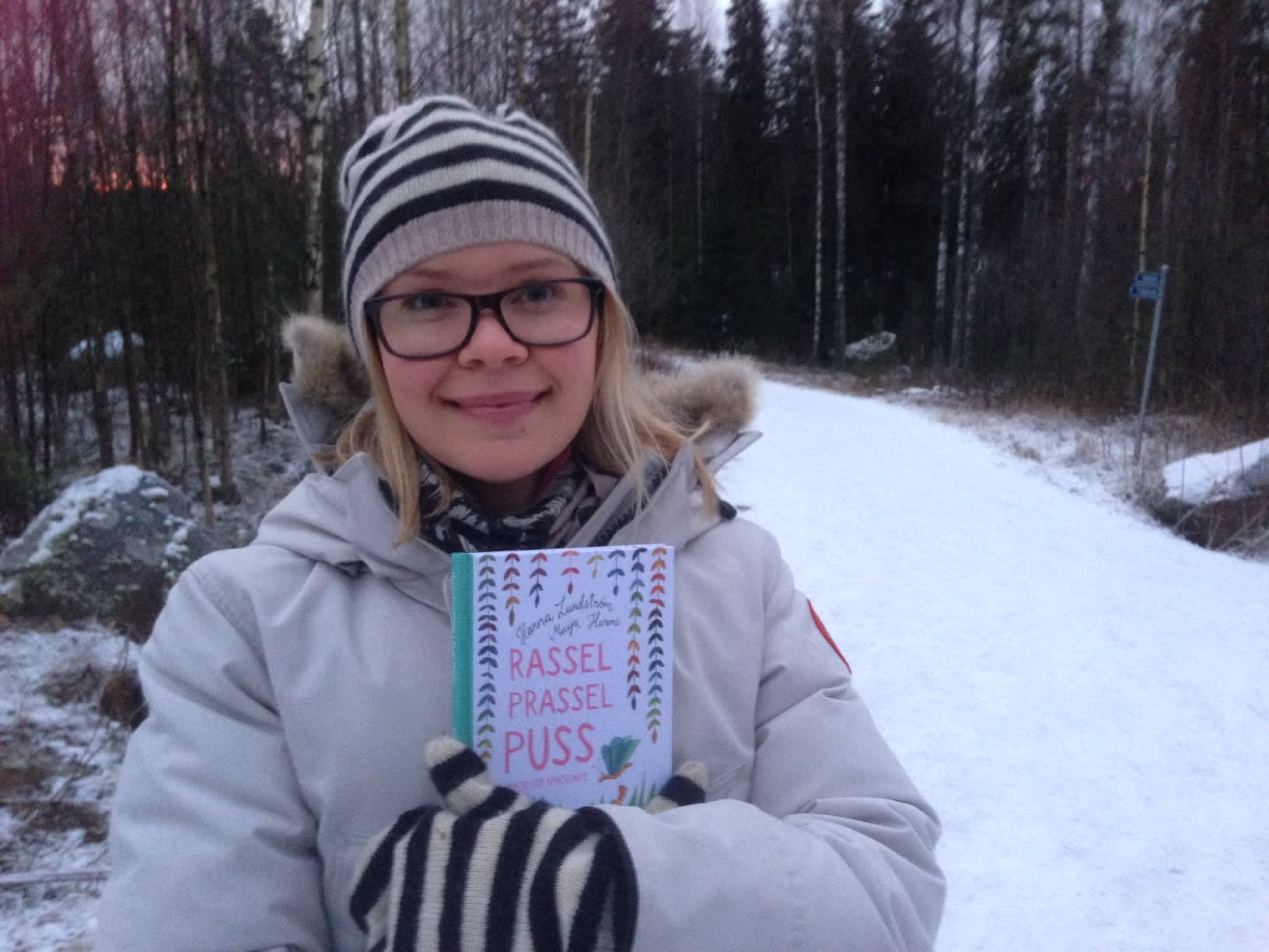 Hanna Lundström kirjoitti runokirjan vauvoille