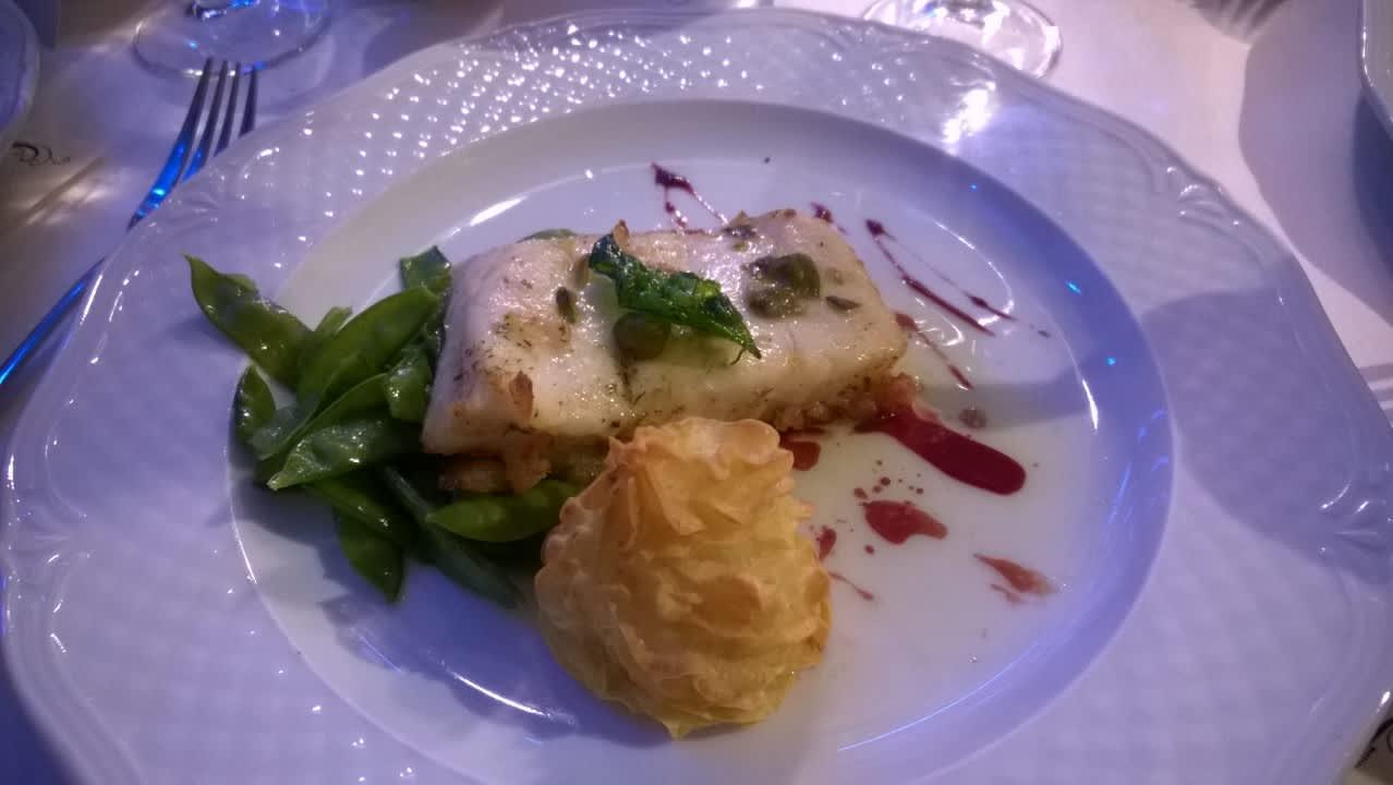 Juhlaillallinen lautasella