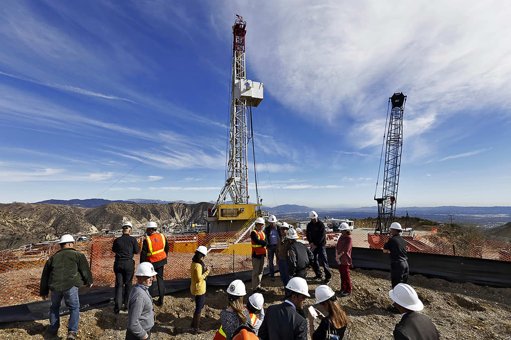 Southern California Gas -yhtiön johtoa Porter Ranch -kaasunporauskentällä.