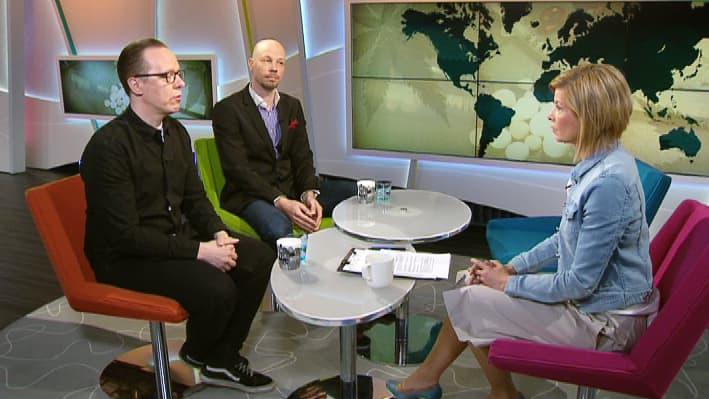 Huumeiden vastaisesta taistelusta keskustelemassa THL:n kehittämispäällikkö ja Yhteiskuntapolitiikka-lehden päätöimittaja Tuukka Tammi sekä EHYT ry:n huumeasiantuntija Kim Kannussaari.