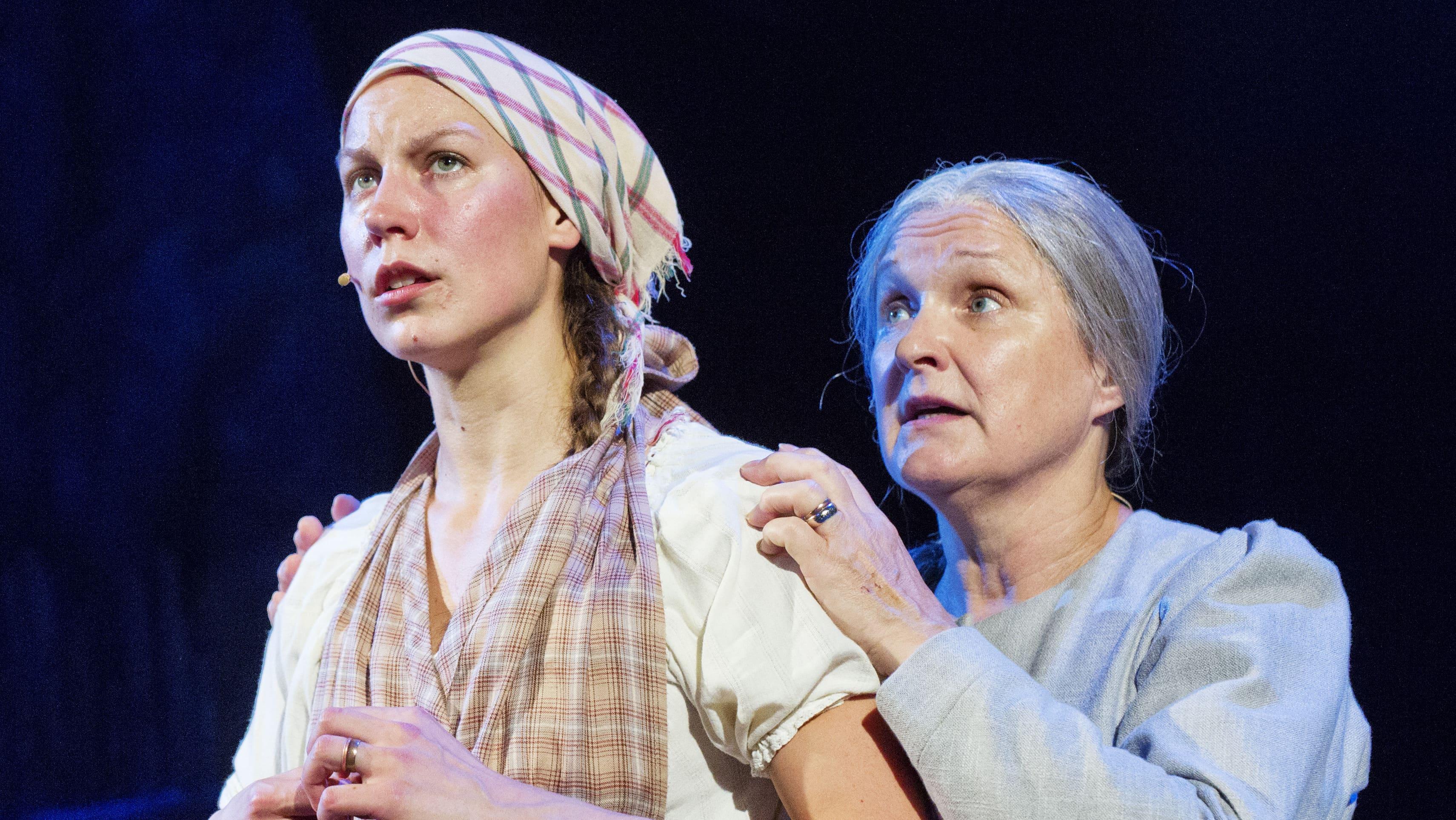 Maiju Saarinen ja Mirja Räty Myrskyluodon Maijana