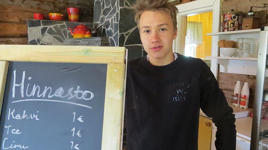 Santeri Körkkö on kesän ajan kahvilayrittäjä